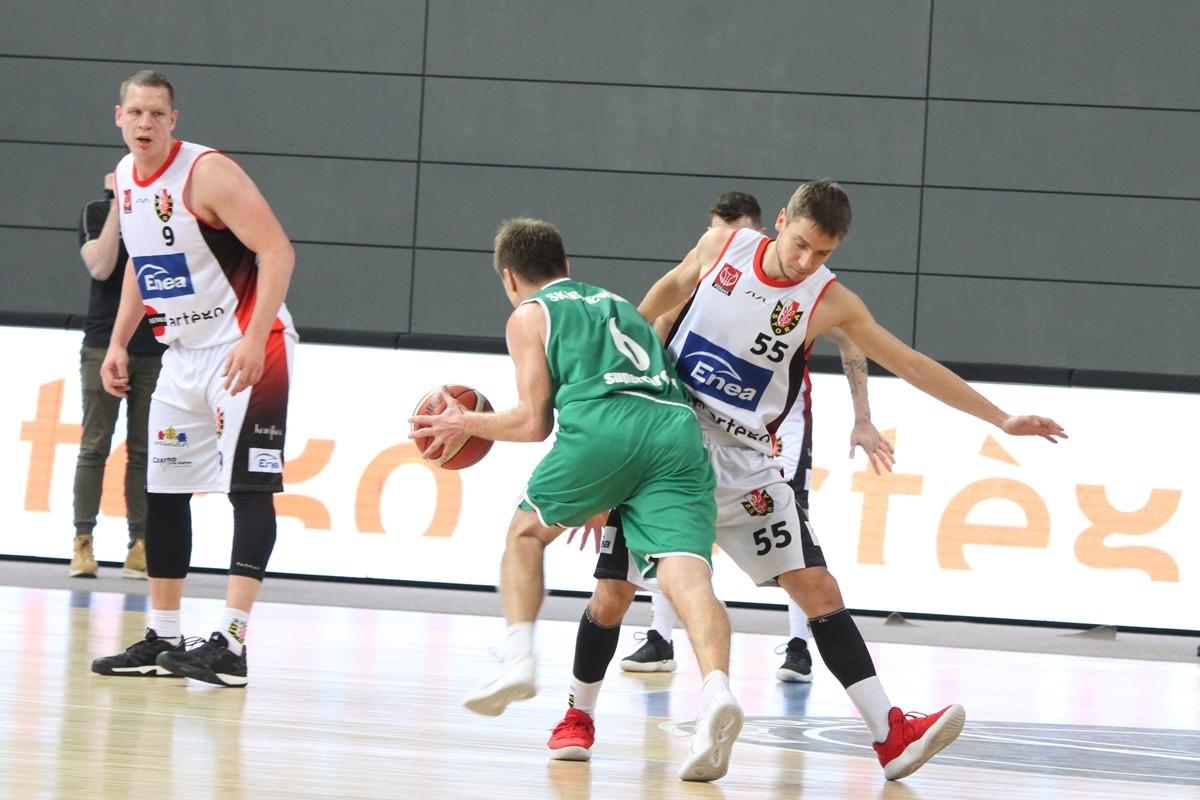I liga koszykarzy_ Enea Astoria Bydgoszcz-FutureNet Śląsk Wrocław_ Artego Arena Bydgoszcz_ Marcin Nowakowski-Robert Skibniewski_ SF