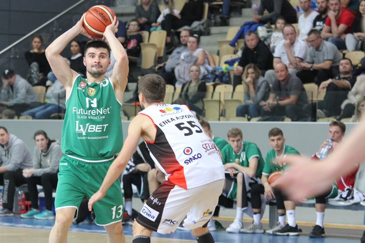 I liga koszykarzy_ Enea Astoria Bydgoszcz-FutureNet Śląsk Wrocław_ Artego Arena Bydgoszcz_Marcin Nowakowski-Norbert Kulon_ SF