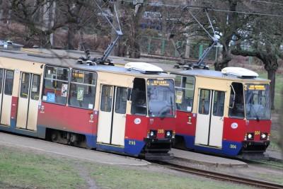 Tramwaje_ linia nr 2 (kierunek Las Gdański), linia 4 (kierunek Bielawy)_ pętla Babia Wieś Bydgoszcz_ SF