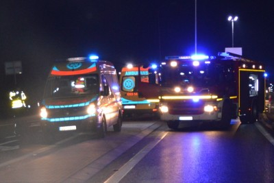 ambulans, straż pożarna_ na sygnale