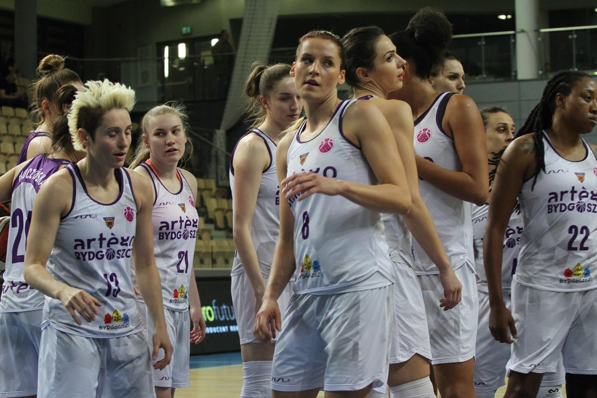 FIBA EuroCup_ Artego Bydgoszcz - CEZ Basketball Nymburk_ Artego-1_ SF (2)