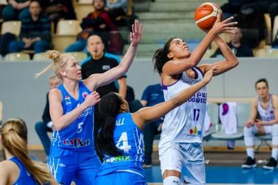 FIBA EuroCup_ Artego Bydgoszcz - KSC Szekszard_ Ziomara Morrison_ RW