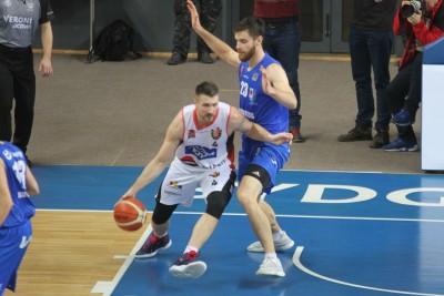 I liga koszykarzy_ Enea Astoria Bydgoszcz - Energa Kotwica Kołobrzeg_ Dorian Szyttenholm - SF