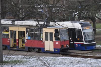 Pętla tramwajowa Babia Wieś - tramwaj 2 (kierunek Las Gdański), tramwaj 4 (kierunek Bielawy) - SF