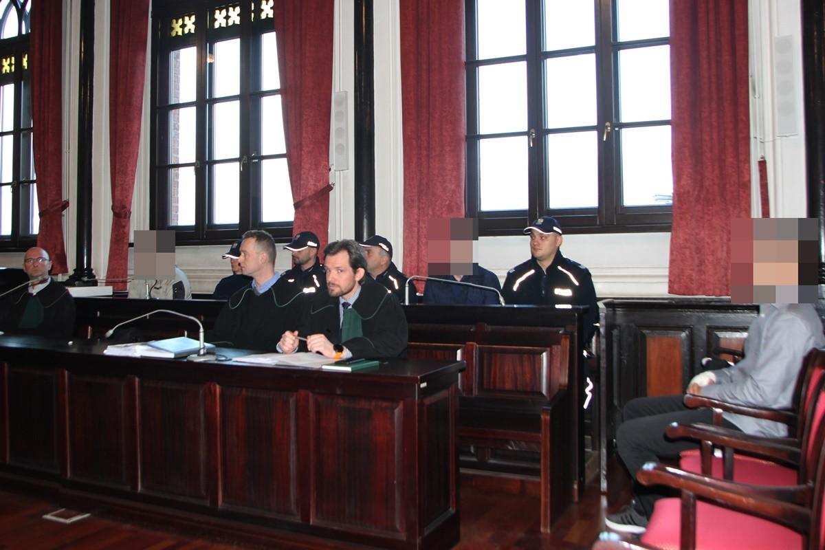 Proces po bójce w Jordanowie_ Sąd Okręgowy Bydgoszcz - archiwum