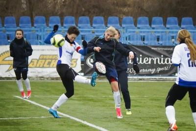 piłka nożna_ mecz sparingowy KKP Bydgoszcz - UKS SMS Łódź_ AR (22)