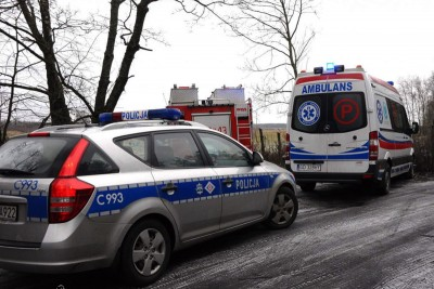 policja, ambulans, straż pożarna_ na sygnale - MR