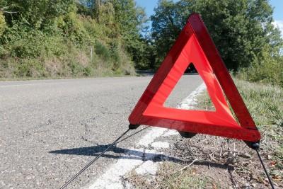 wypadek droga trójkąt ostrzegawczy straż policja pixabay