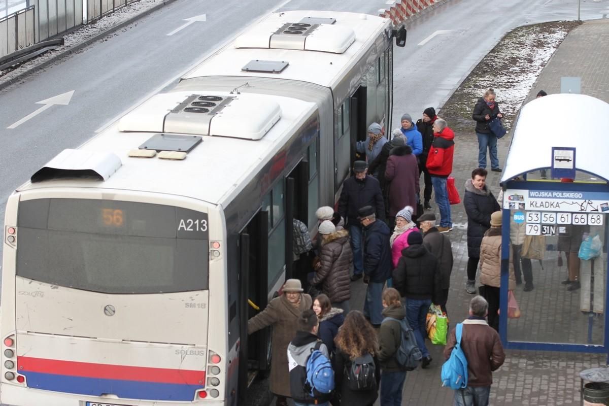Autobus - linia 56, kierunek Belma - przystanek Wojska Polskiego-Kładka - SF