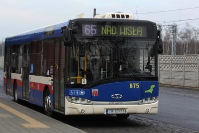 Autobus - linia 65, kierunek Nad Wisłą_ przystanek Dworzec Leśne_ JS