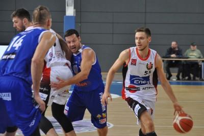 I liga koszykarzy_ Enea Astoria Bydgoszcz - Pogoń Prudnik_ Marcin Nowakowski - ST