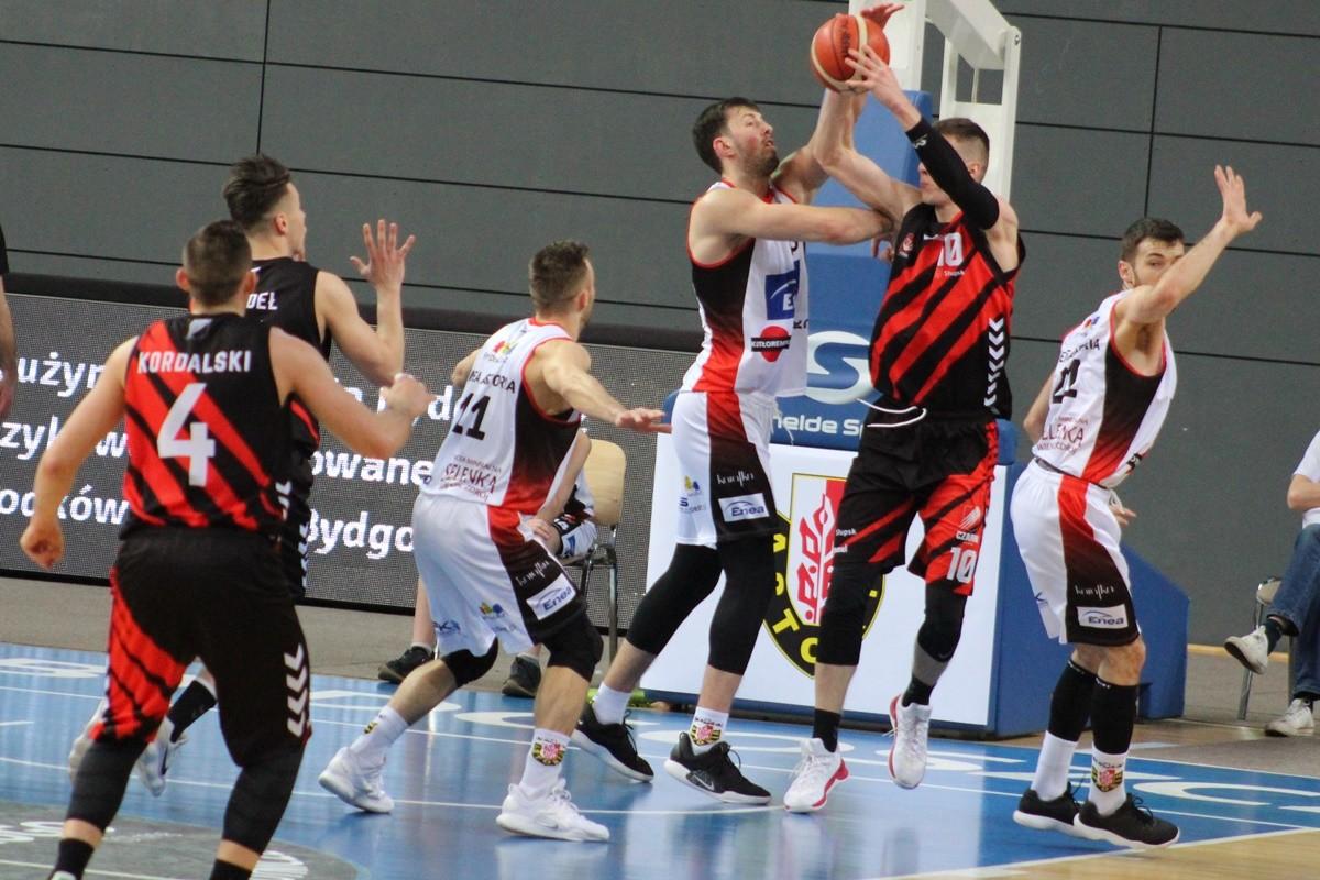 I liga koszykarzy_ Enea Astoria Bydgoszcz - STK Czarni Słupsk_ Łukasz Frąckiewicz - Szymon Długosz_ SF