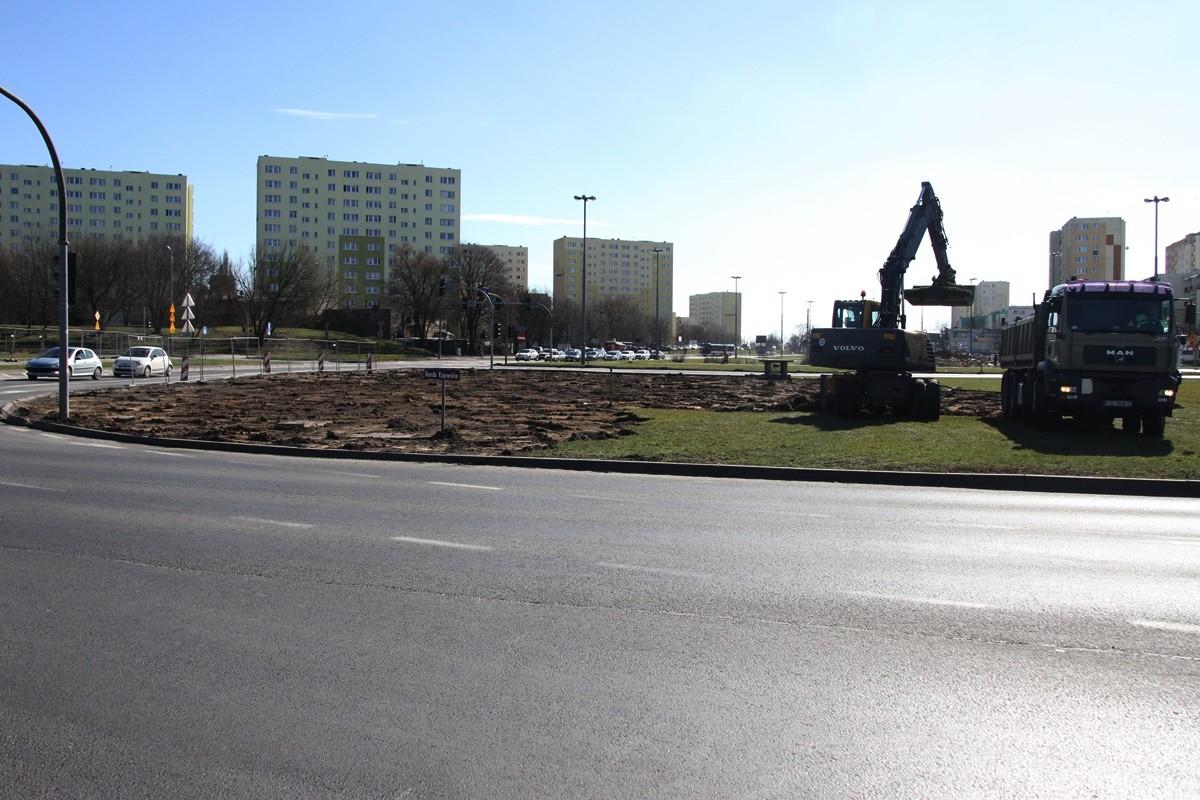 20-03-19 Budowa nowej linii tramwajowej_ prace na rondzie Kujawskim Bydgoszcz - SF (1)