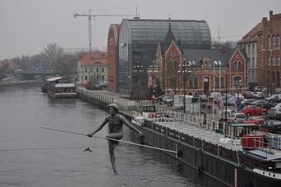 Brda, przechodzacy przez rzeke, mostowa, spichrze - BB