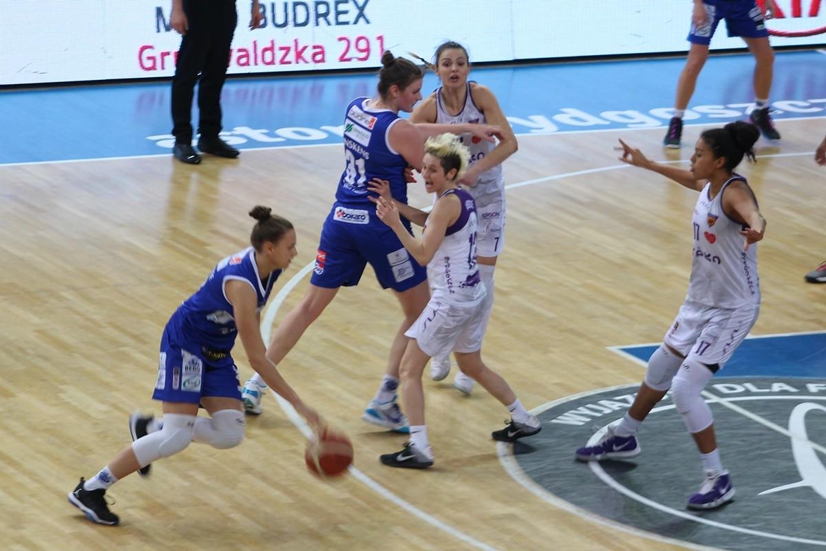 Energa Basket Liga Kobiet_ Artego Bydgoszcz - Invest In The West Enea AZS Gorzów Wielkopolski_ Artego Arena Bydgoszcz - JS (20)