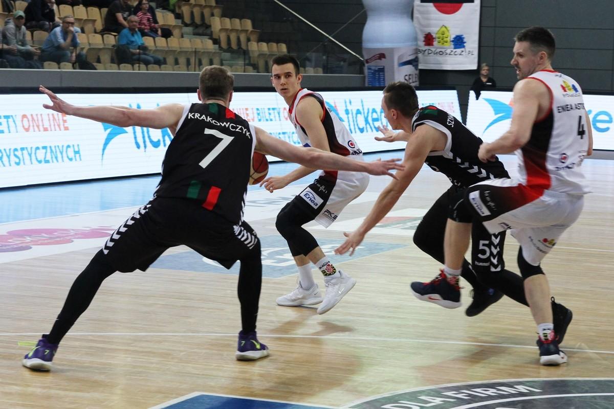 I liga koszykarzy_ Enea Astoria Bydgoszcz - GKS Tychy_ Jakub Kondraciuk - SF