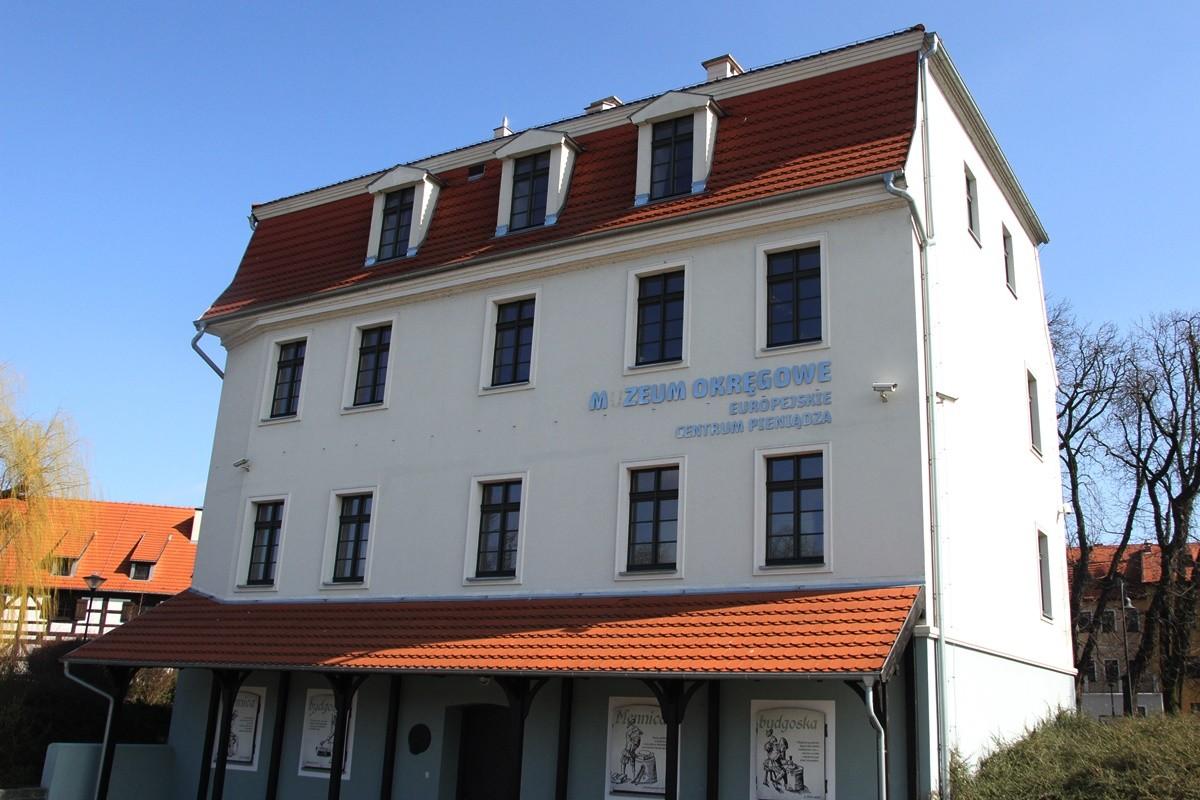 Muzeum Okręgowe im. Leona Wyczółkowskiego - Europejskie Centrum Pieniądza Bydgoszcz - SF