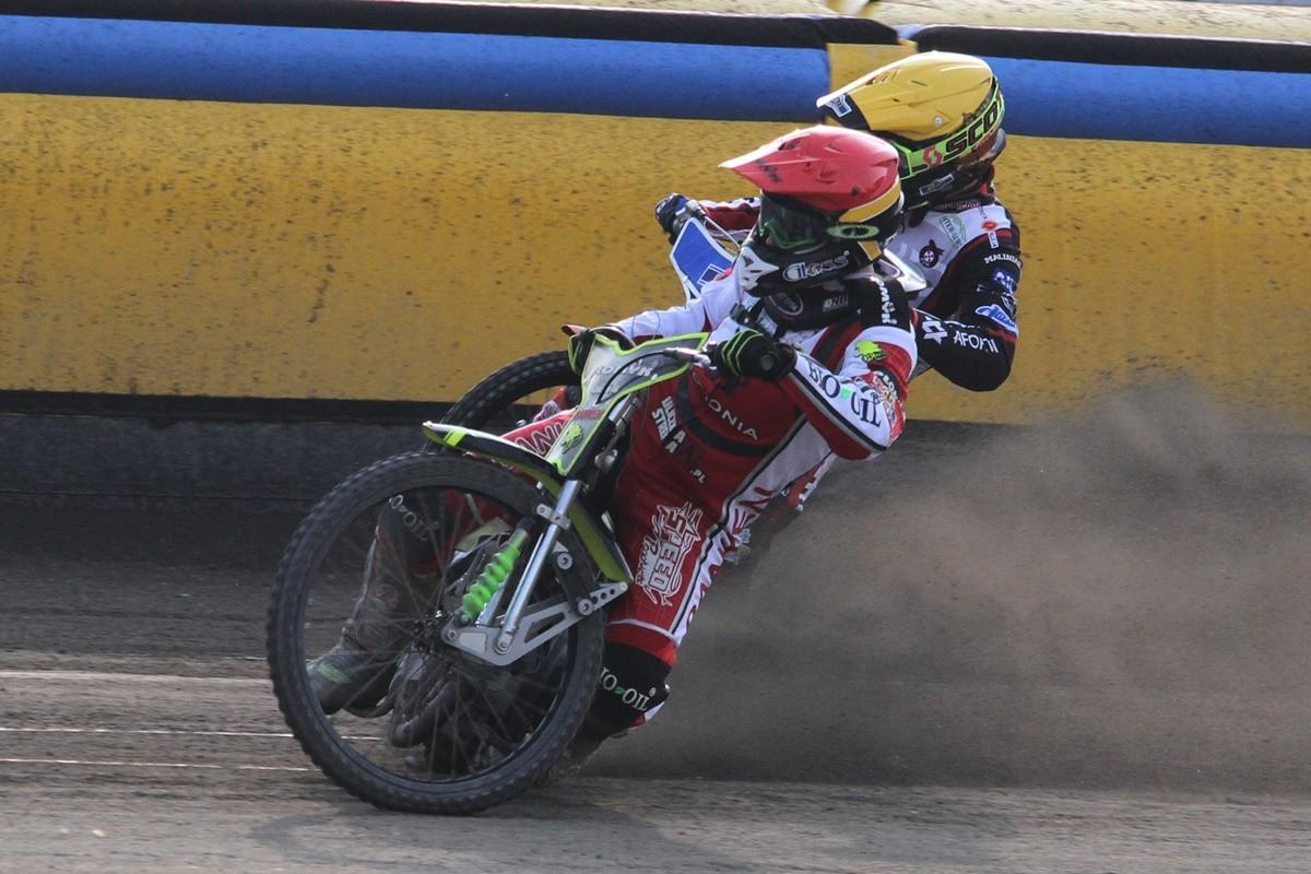 Sparing_ Zooleszcz Polonia Bydgoszcz - Start Gniezno_ bieg 7 - Kamil Brzozowski (cz) - Andriej Kudriaszow (ż) - SF