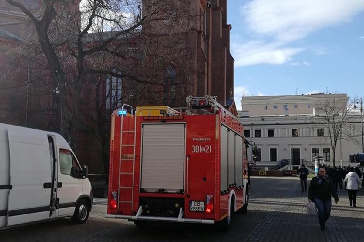 straż pożarna_ plac Wolności Bydgoszcz - na sygnale - nadesłane