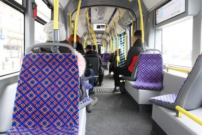 wnętrze tramwaj pesa swing komunikacja BB