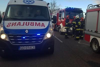 wypadek dk15_ ambulans, straż pożarna - na sygnale - ratownictwo medyczne powiatu golubsko-dobrzyńskiego-3