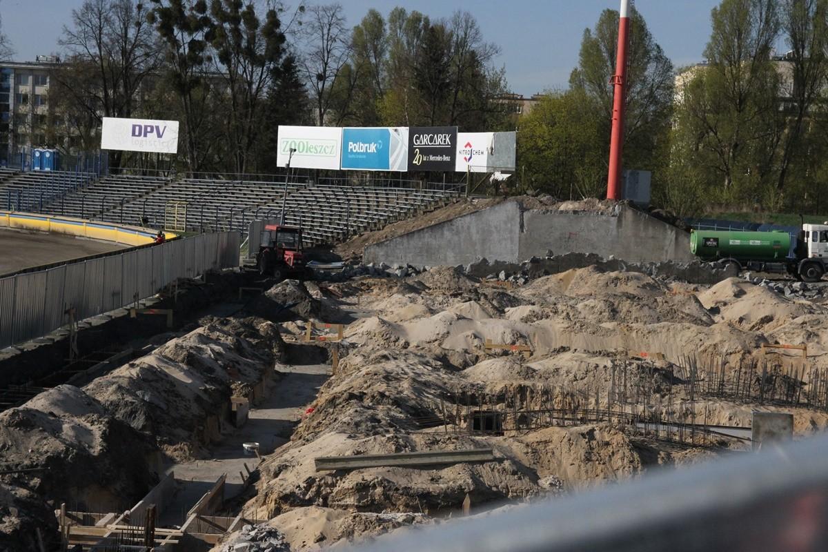 16-04-2019 Remont stadionu Polonii Bydgoszcz - budowa trybuny na sektorze B - SF (4)