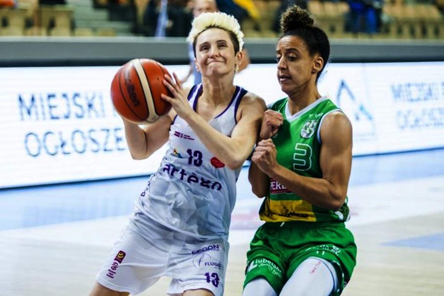Energa Basket Liga Kobiet_ Artego Bydgoszcz - Pszczółka Polski Cukier AZS UMCS Lublin_ Julie McBride - Brianna Kiesel - RW