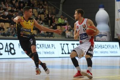 I liga koszykarzy_ I mecz półfnałowy Enea Astoria Bydgoszcz - Rawlplug Sokół Łańcut_ Marcin Nowakowski - SF