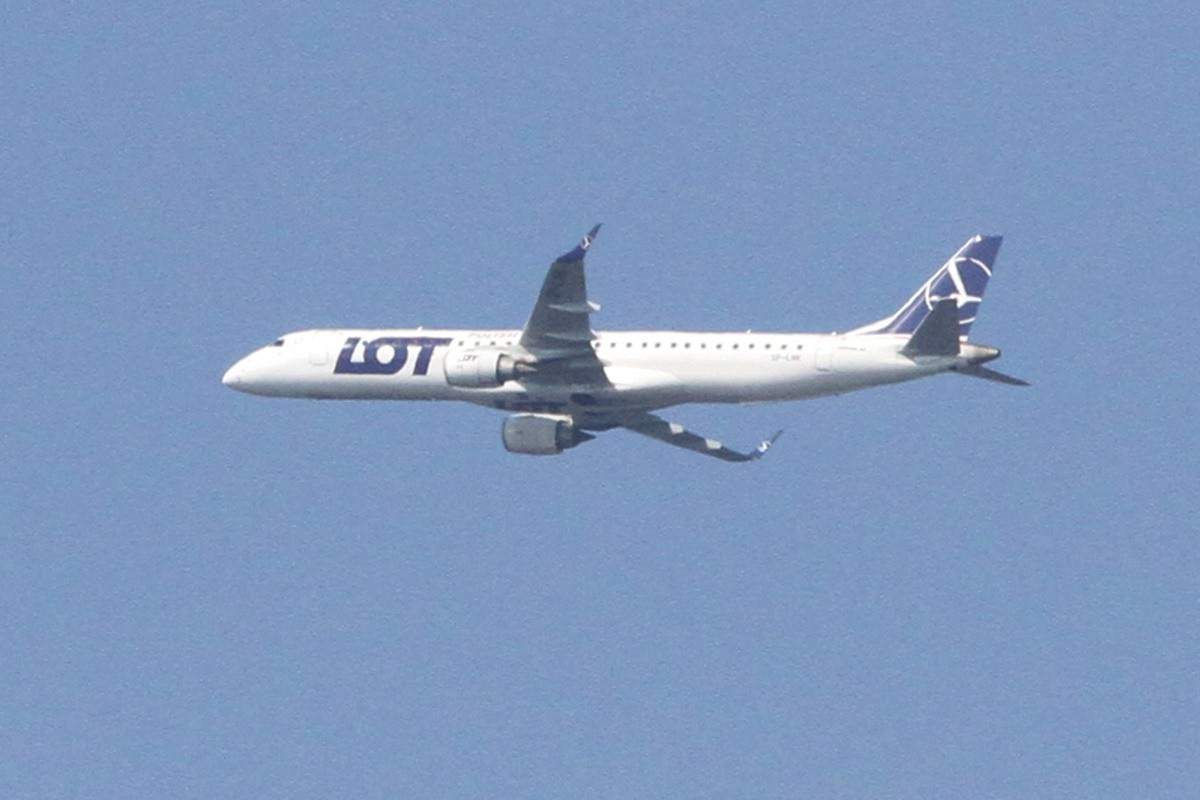 Samolot LOT - SF