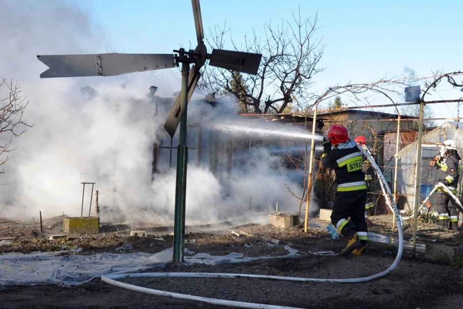 pożar altany działkowej - Szubin - MR-4