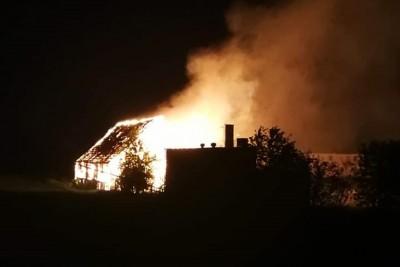 2-05-19 pożar stodoły_ Mąkowarsko - OSP KSRG Mąkowarsko-1
