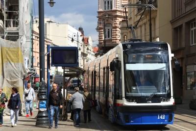 Tramwaj - linia 2, kierunek Babia Wieś_ przystanek Gdańska-Dworcowa - SF