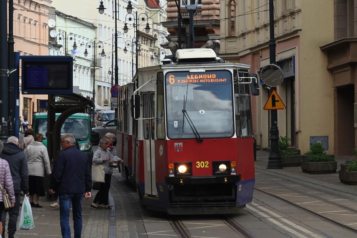 Tramwaj - linia nr 6, kierunek Łęgnowo przez Dworzec Autobusowy_ przystanek Gdańska-Dworcowa - SF