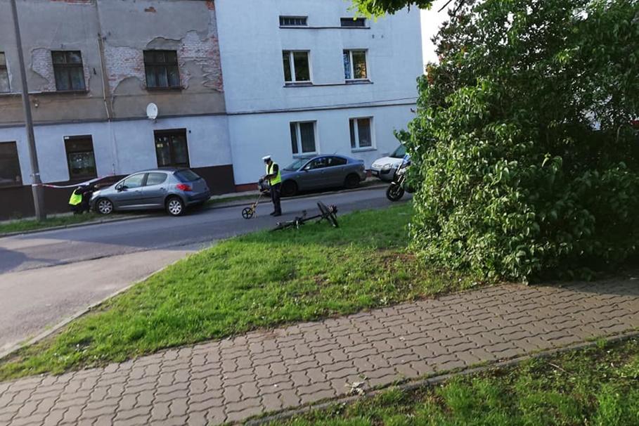 wypadek-potrącenie_ Leszczyńskiego, Szwederowo Bydgoszcz - nadesłane_ Mikołaj Sierszulski-1