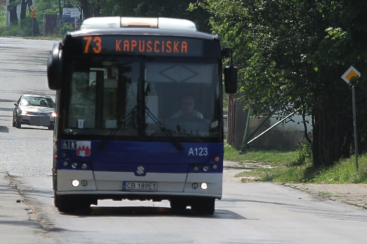 Autobus - linia 73, kierunek Kapuściska - SF