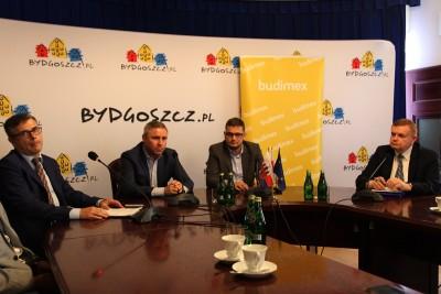 Rafał Grzegorzewski, Bartłomiej Muszyński, Michał Sztybel, Mirosław Jagodziński - konferencja w ratuszu - SF