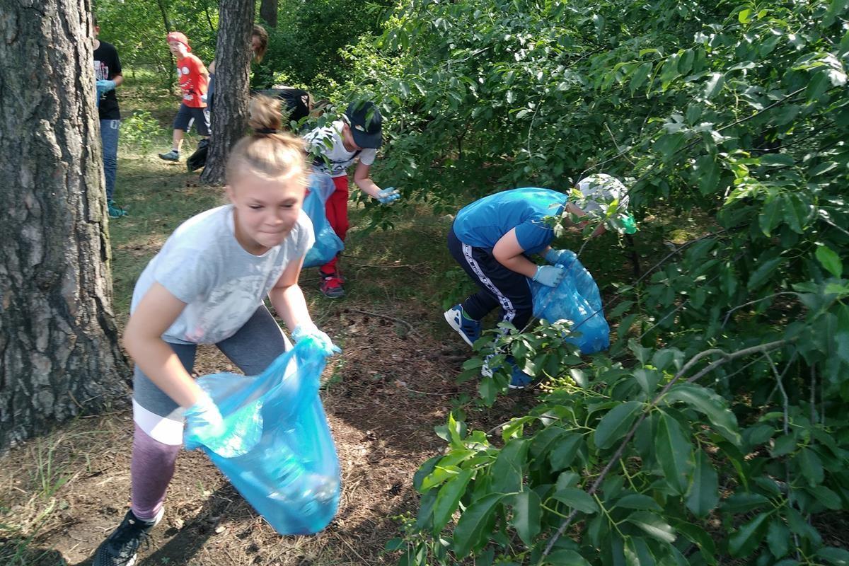 Sprzątanie lasu_SG (12)