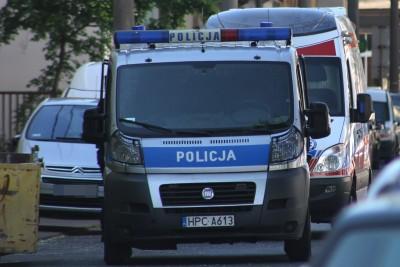 policja, ambulans - na sygnale - SF
