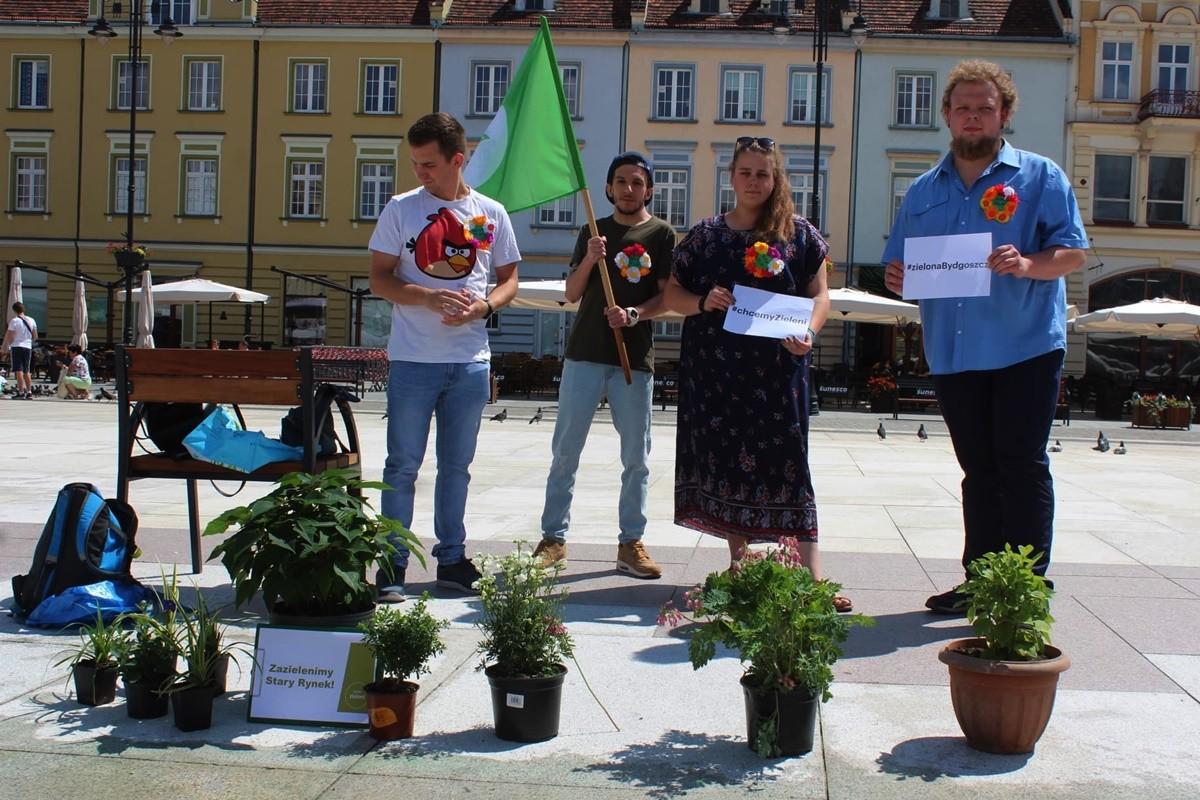14-07-2019_ happening Zielonych na Starym Rynku_ Piotr Malich - JS
