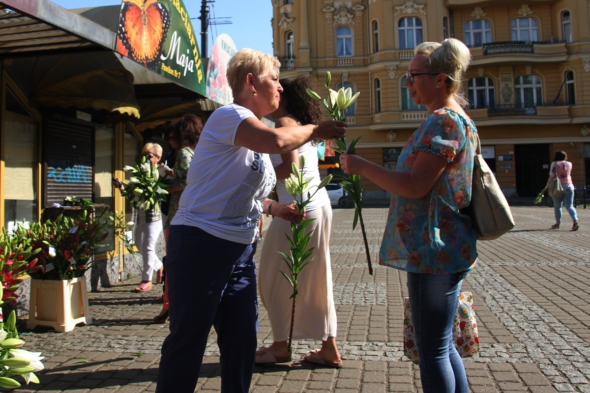 15-07-2019_ Kwiaciarki - plac Wolności Bydgoszcz, podziękowanie za wsparcie - SF (8)