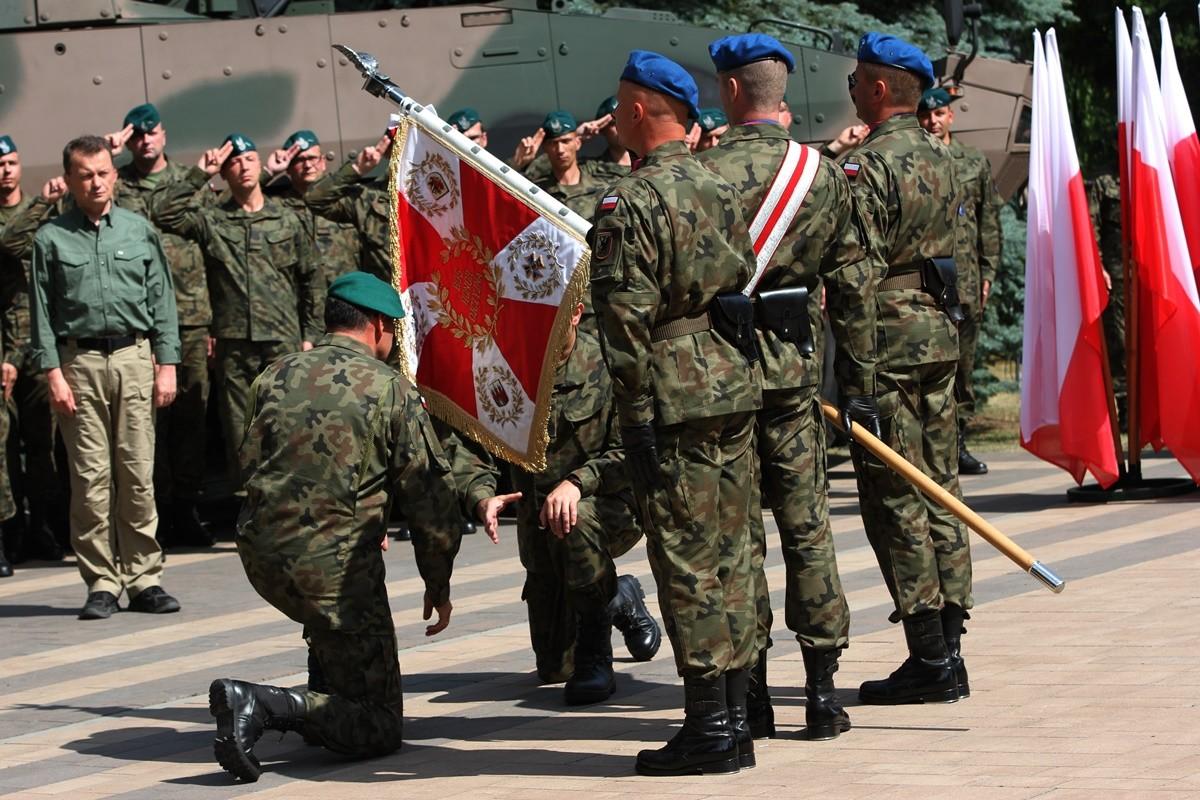 Uroczystość zmiany dowódcy_ Inspektorat Wsparcia Sił Zbrojnych w Bydgoszczy - SF-2