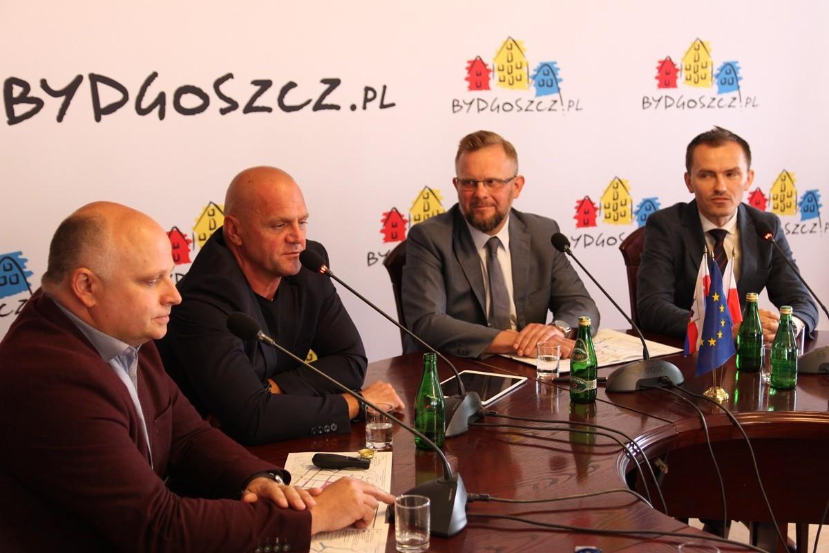Wojciech Nalazek, Jacek Witkowski, Mirosław Kozłowicz, Maciej Bakalarczyk - SF-1