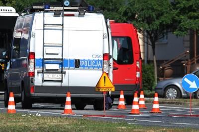 policja - wypadek, znak - na sygnale - SF