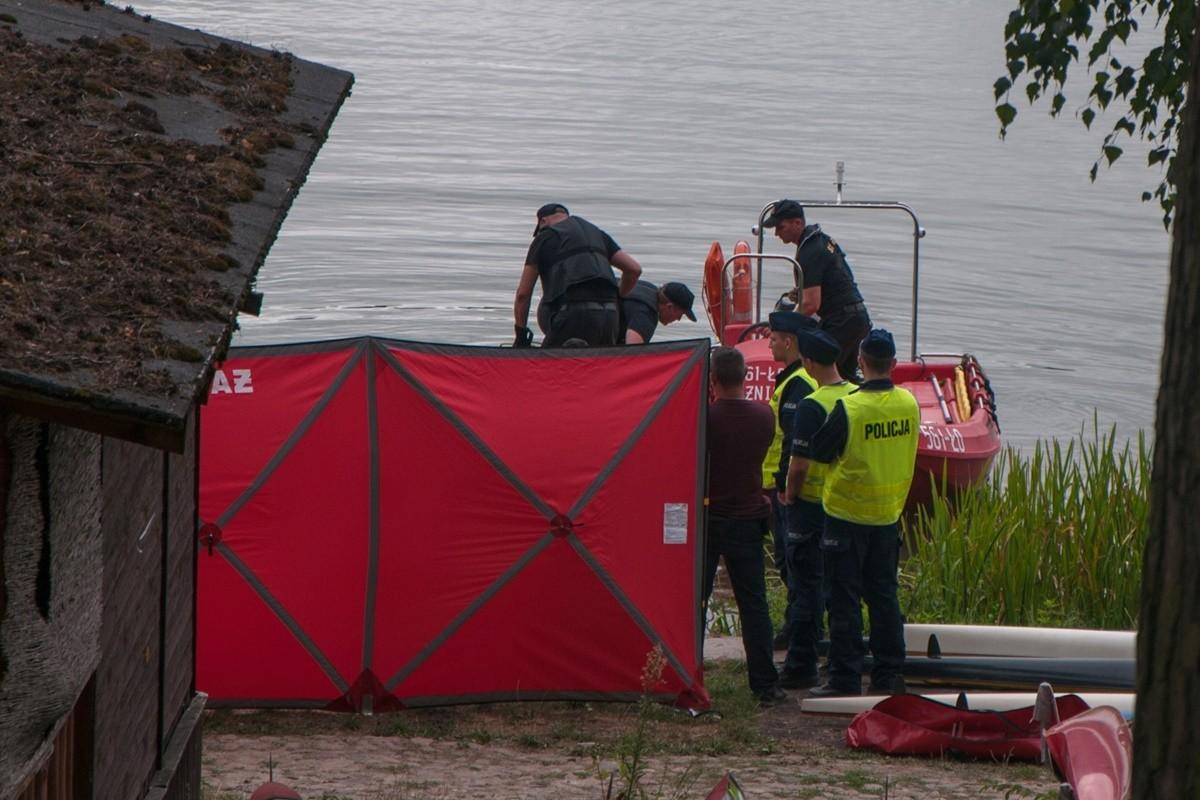 straż pożarna_ poszukiwania jezioro Chomiąskie - nadesłane-1
