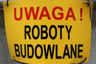 tabliczka - Uwaga,  roboty budowlane - SF
