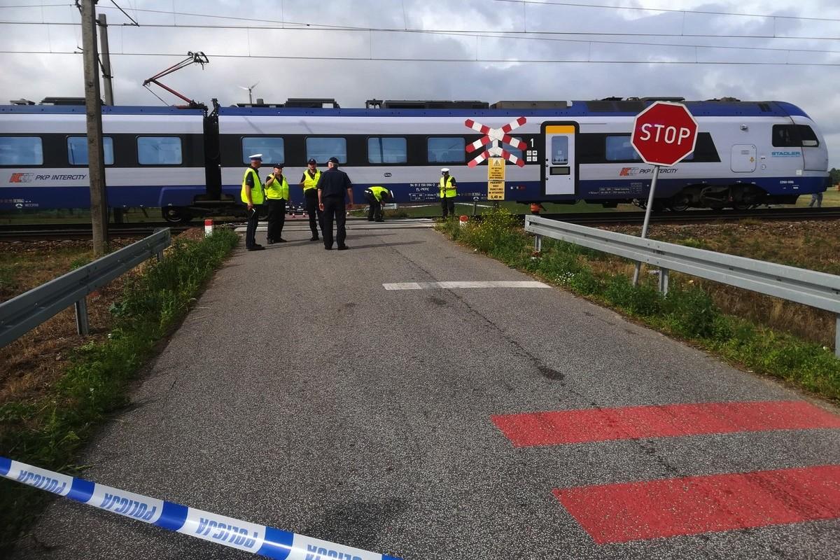 19-08-2019_ wypadek - przejazd kolejowy Walentowo (gm. Lubień Kujawski, pow. włocławski) - KMP Włocławek