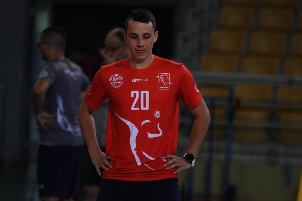 Kamil Szymura - SF