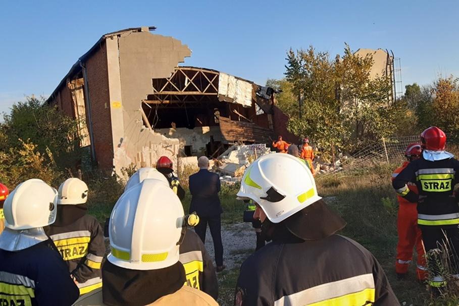 15-10-2019_ zawalenie budynku Pakość - OSP Janikowo