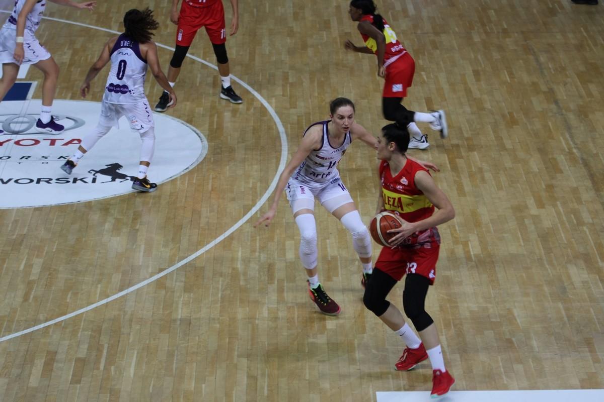 20-10-2019_ Energa Basket Liga Kobiet, Artego Arena_ Artego Bydgoszcz - Ślęza Wrocław - Karolina Poboży, Ana Pocek - JS