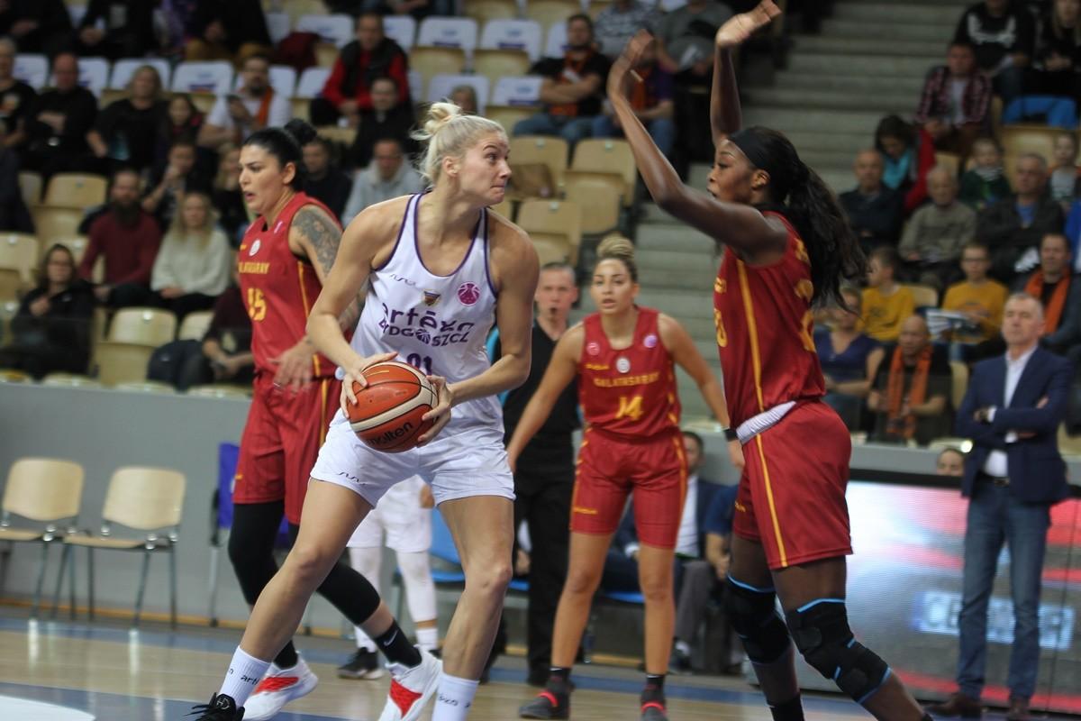 31-10-2019_ Puchar Europy FIBA-FIBA EuroCup_ Artego Bydgoszcz - Galatasaray Stambuł_ Laura Miskiniene, Victoria Macaulay - SF